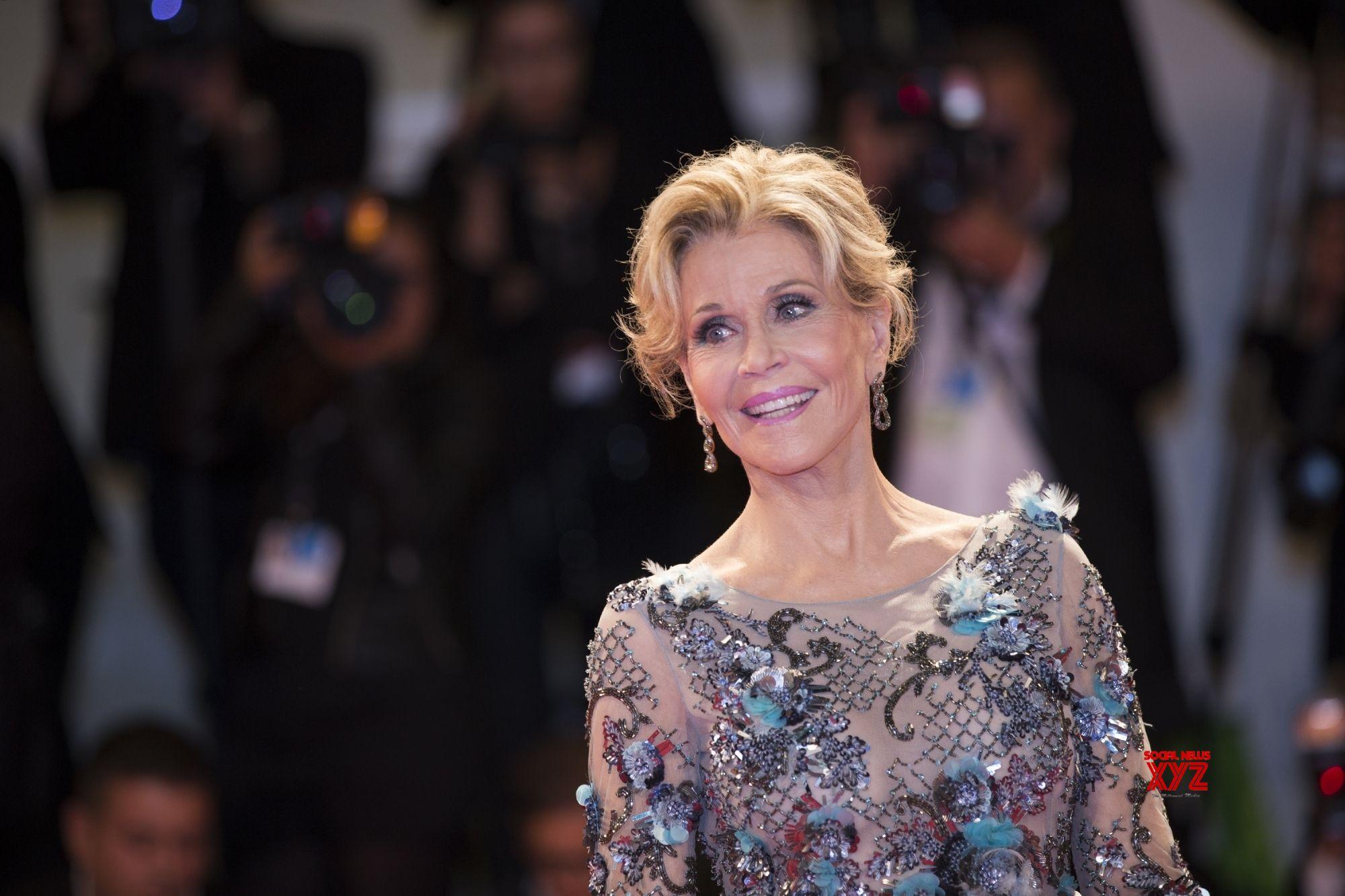 Jane Fonda to fight climate change virtually