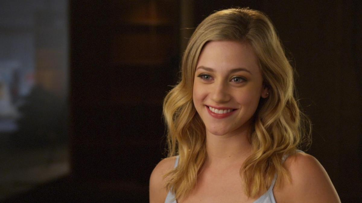 Lili Reinhart Loves Working With Cole Sprouse Social News Xyz
