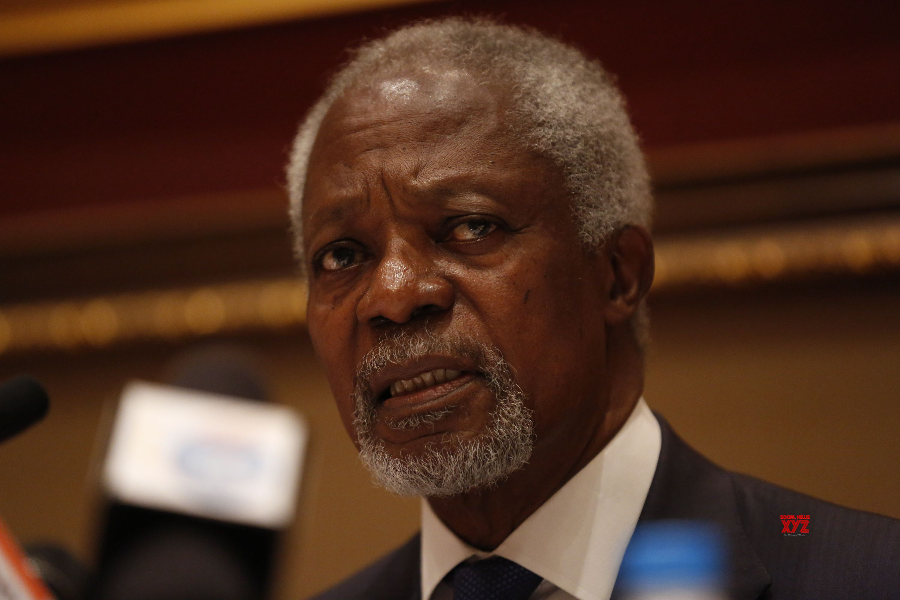(161206) -- YANGON, Dec. 6, 2016 (Xinhua) -- Kofi Annan, chairman of Myanmar government-appointed Rakhine State Advisory Commission, speaks to media during a press conference in Yangon, Myanmar, Dec. 6, 2016. Kofi Annan on Tuesday called for stability in Myanmar's Rakhine state for development of the region at a press conference here at the end of his eight-day trip to the state on a fact-finding mission as tasked by the government. (Xinhua/U Aung) ****Authorized by ytfs****