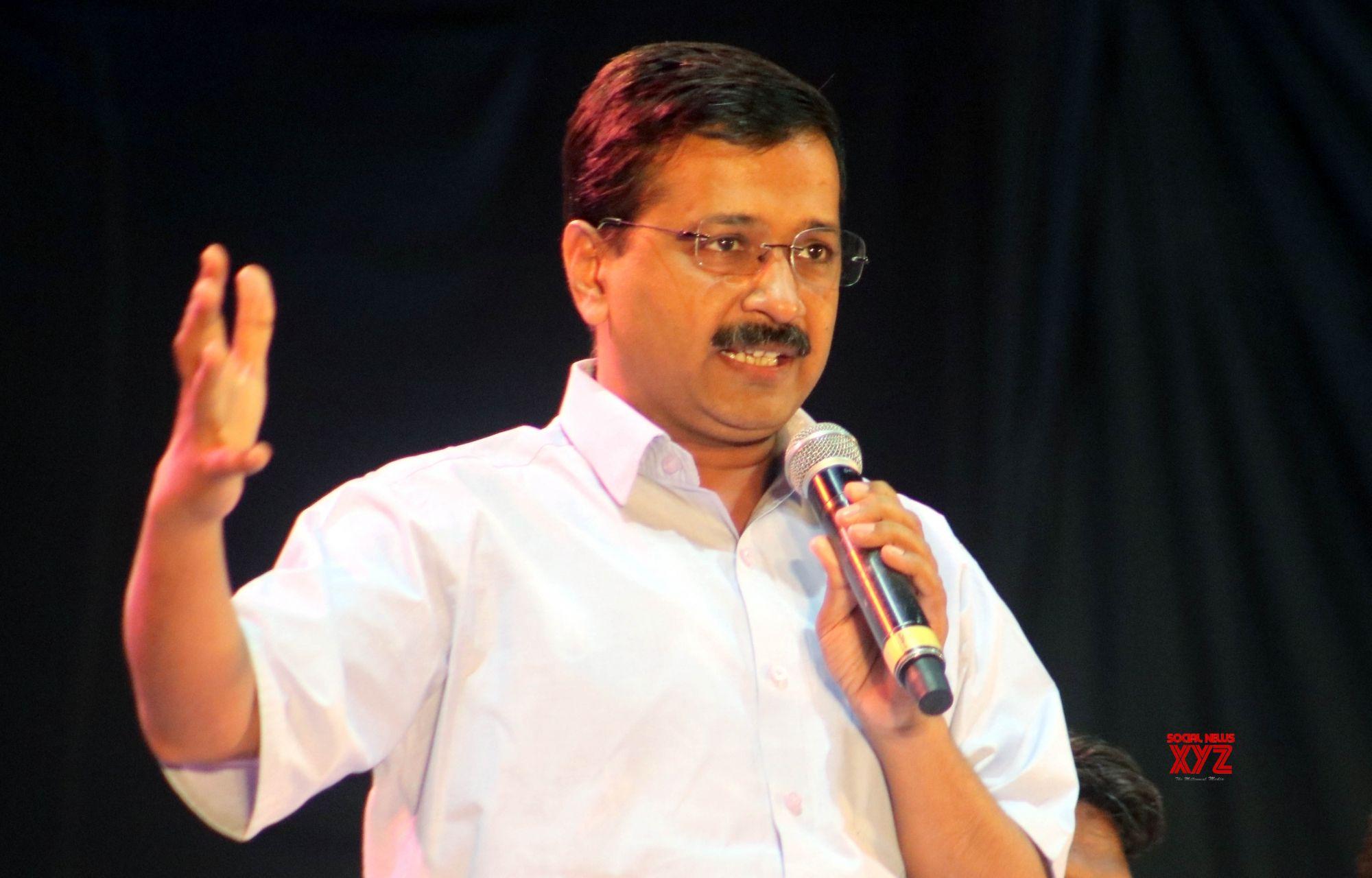 Modi behaves like Pakistan PM to subvert federal structure: Kejriwal