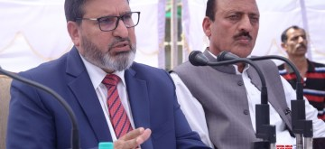 Srinagar: Jammu and Kashmir Finance Minister Syed Altaf Bukhari addresses a press conference regarding state governments' decision to implement the 7th Pay Commission recommendations for its employees, in Srinagar on April 24, 2018. (Photo: IANS)