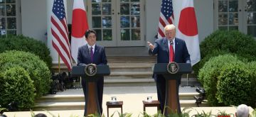 WASHINGTON, June 7, 2018 (Xinhua) -- U.S. President Donald Trump (R) and Japanese Prime Minister Shinzo Abe attend a joint press briefing at the White House in Washington D.C., the United States, on June 7, 2018. (Xinhua/Yang Chenglin/IANS)