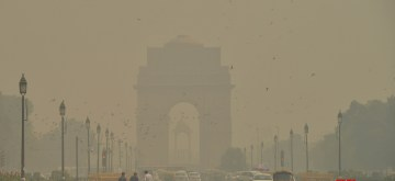 New Delhi: A view of Rajpath engulfed in smog, on Oct 24, 2018. (Photo: IANS)