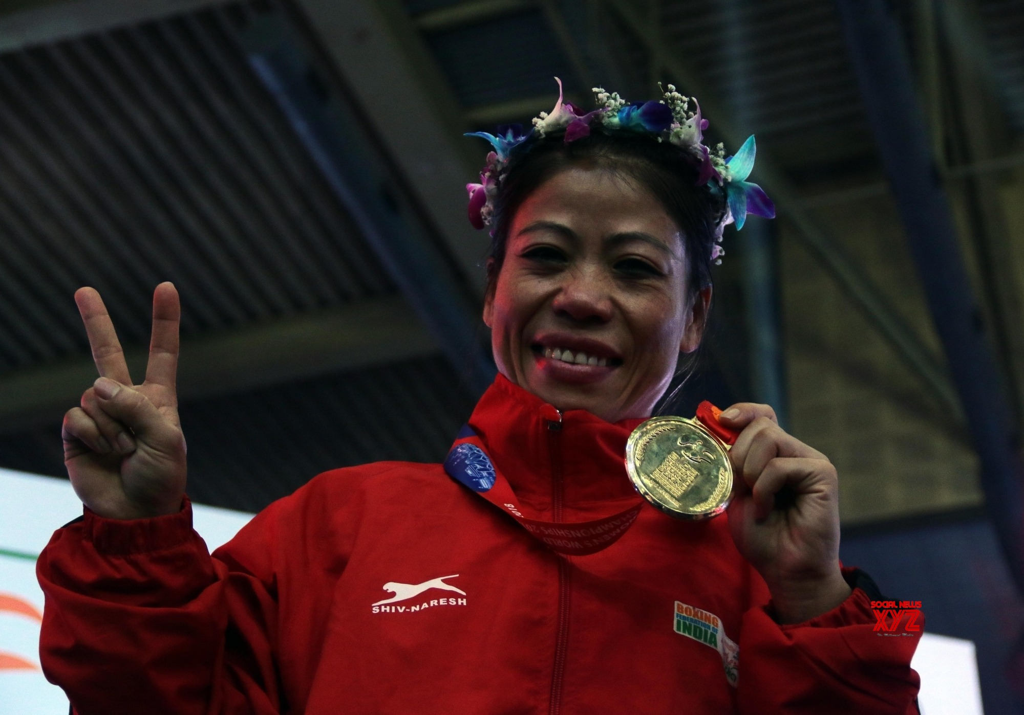 Mary Kom first woman boxer to win 6 gold medals