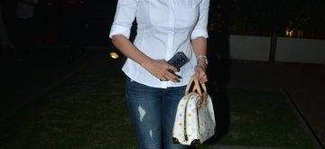 Mumbai: Actress Hrishitaa Bhatt seen at Mumbai's Bandra on Dec 5, 2018. (Photo: IANS)