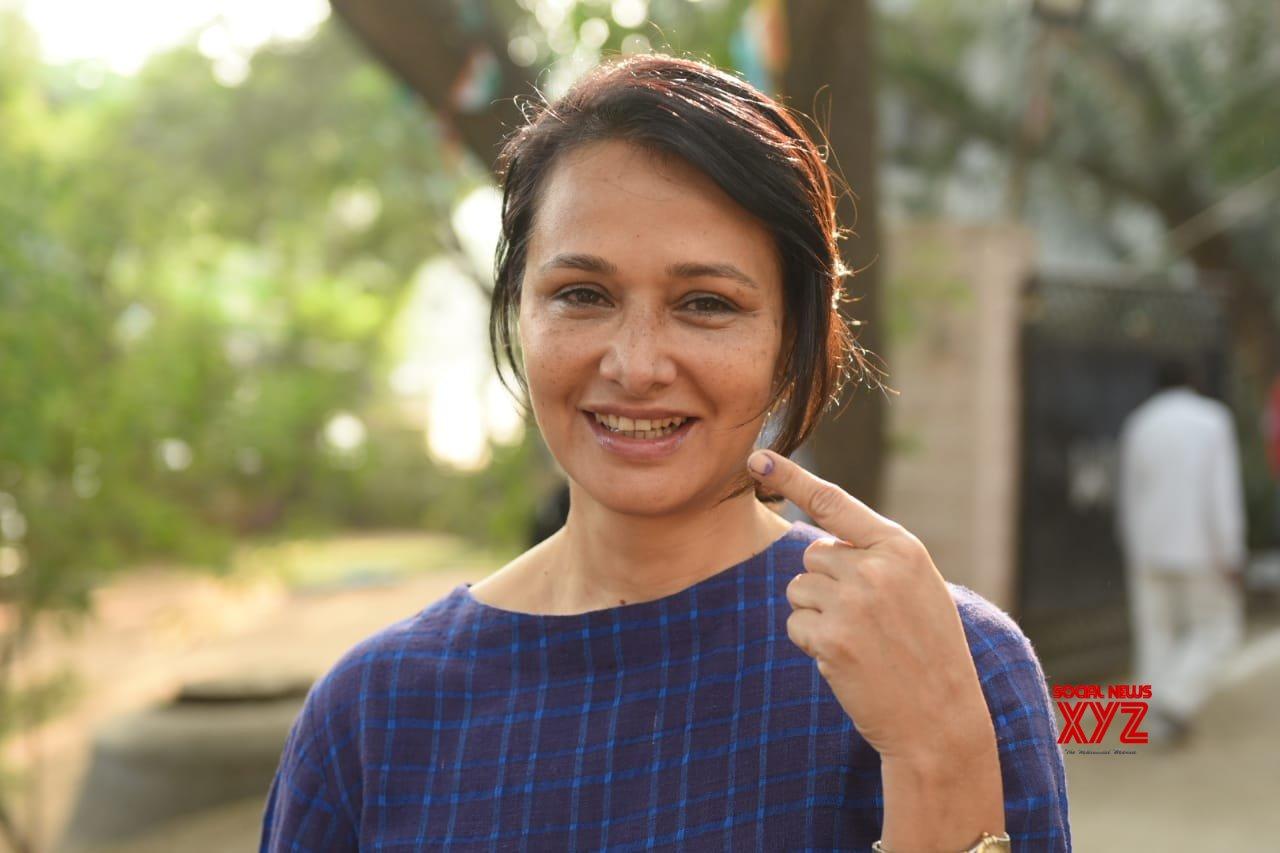 Nagarjuna, Amala, Chiranjeevi, NTR Jr, Allu Arjun And Other Celebs Voting In Telangana Elections 2018 - Gallery