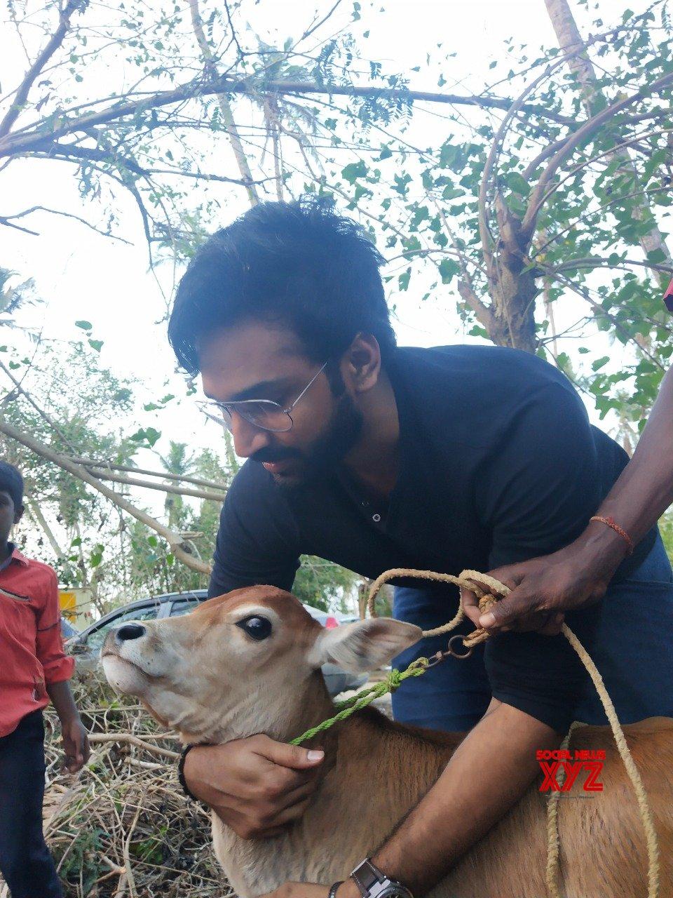 Aadhi Pinisetty Helps Gaja Cyclone Victims - Galery