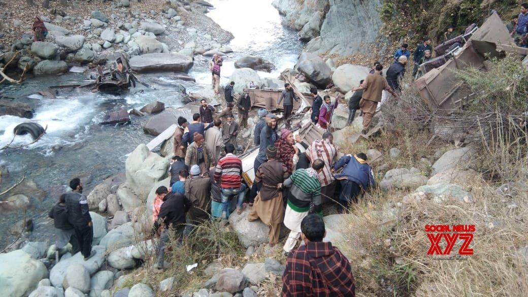 14 die as bus falls into gorge in J&K