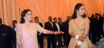 Mumbai: Reliance Foundation founder-chairperson Nita Ambani and her daughter Isha at the wedding reception of Isha and Anand Piramal in Mumbai on Dec 14, 2018. (Photo: IANS)