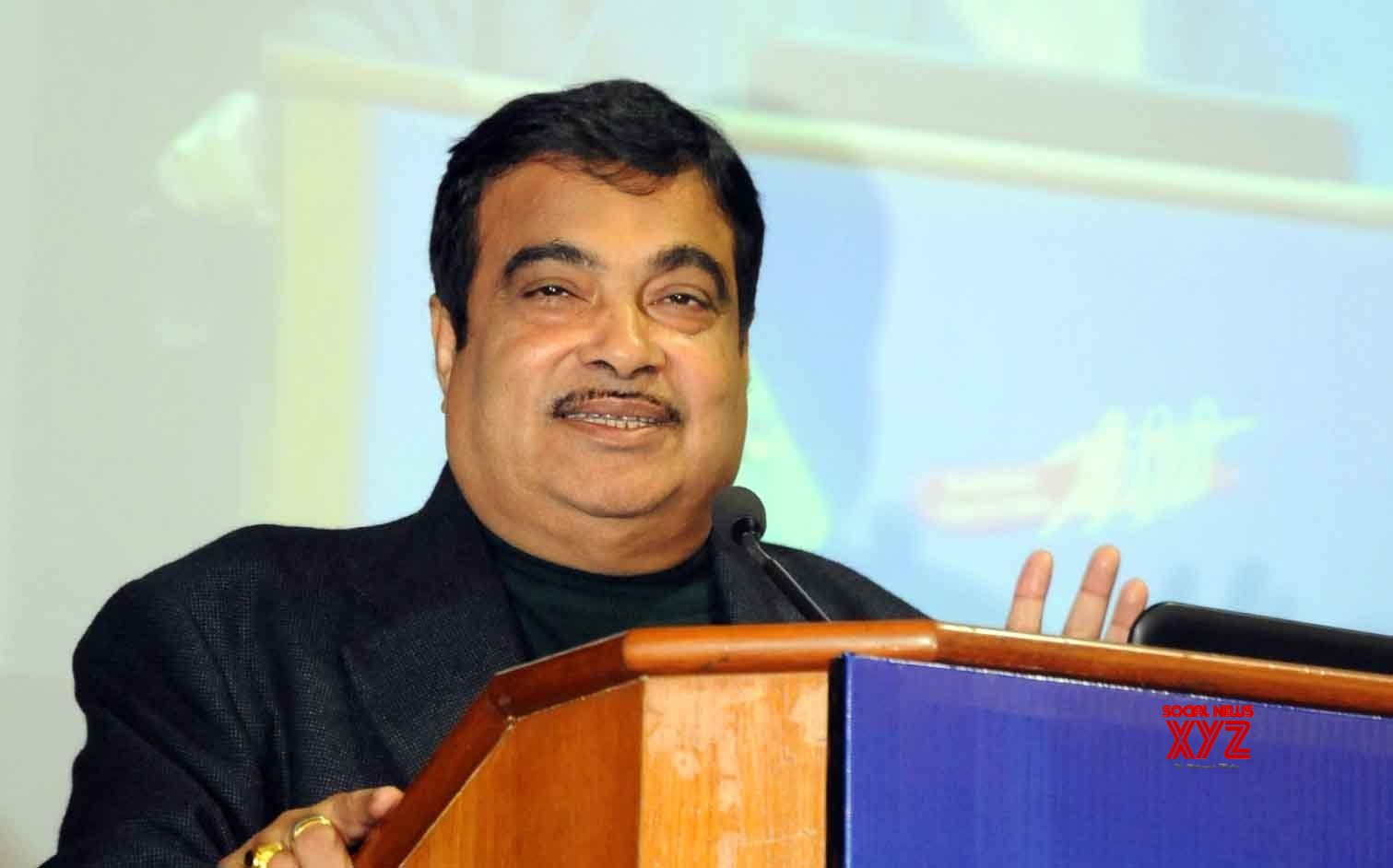 Gadkari invites US pension, insurance funds to invest in India's road infra
