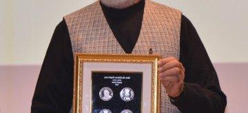 New Delhi: Prime Minister Narendra Modi releases commemorative coins in the honour of Bharat Ratna Atal Bihari Vajpayee, in New Delhi on Dec 24, 2018. (Photo: IANS)