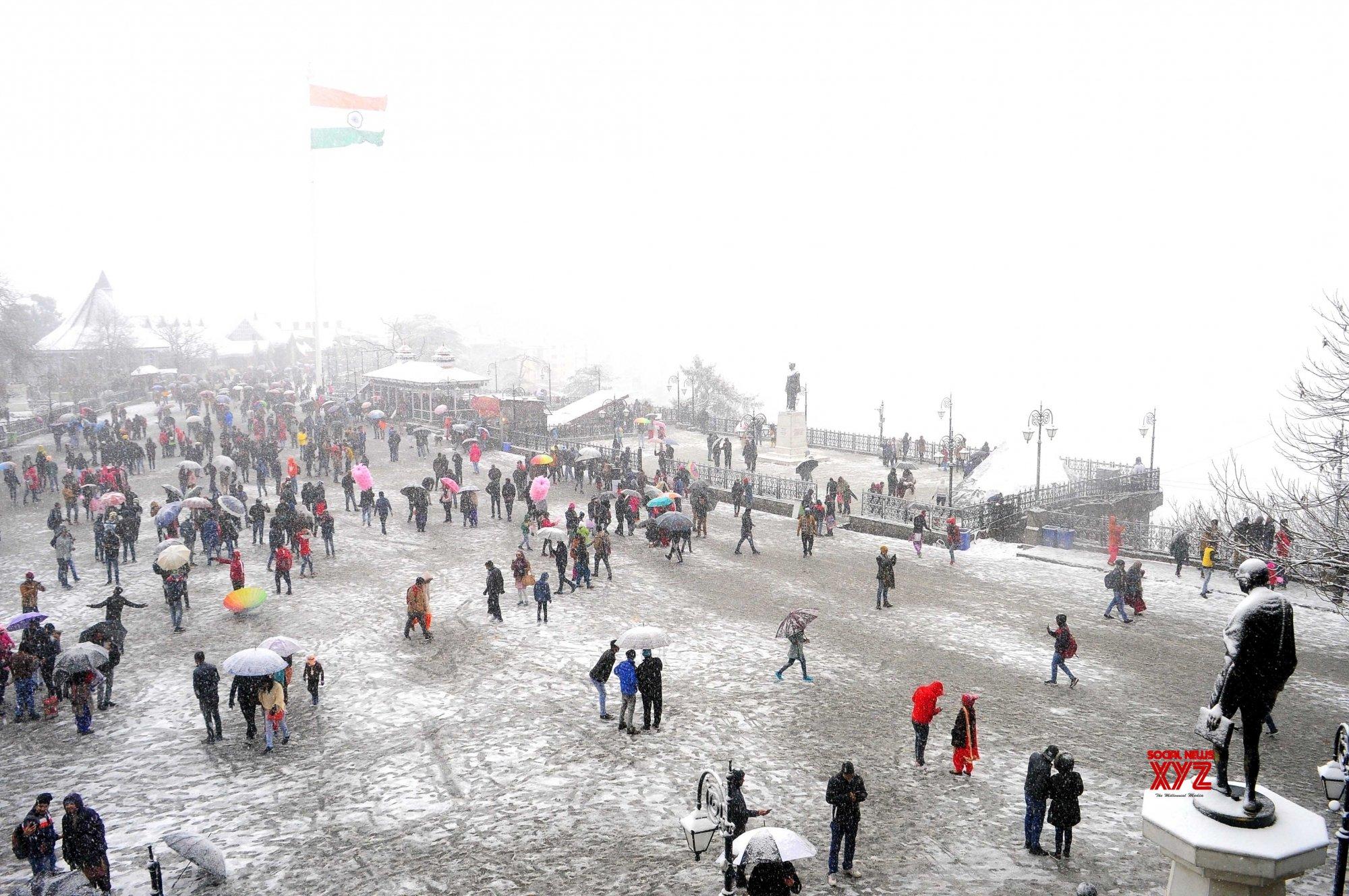 Shimla, Manali turn white again; tourists make merry