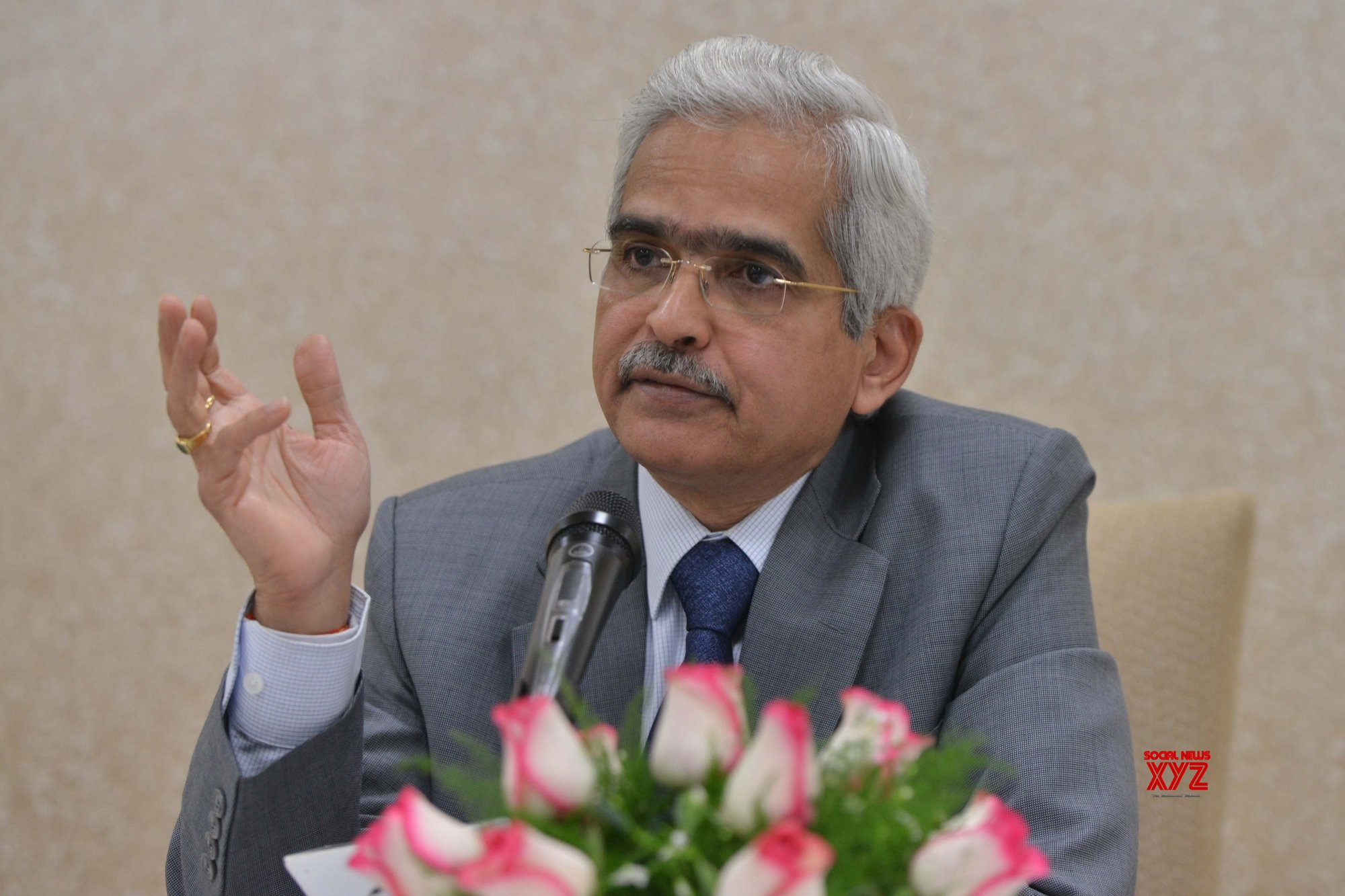 RBI issues Rs 50 notes bearing Governor Das' signature