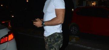 Mumbai: Actor Kunal Kapoor seen outside a salon in Mumbai on Jan 8, 2019. (Photo: IANS)