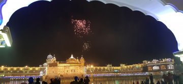Amritsar: Fireworks light up the sky above the Golden Temple on the birth anniversary of tenth Sikh master, Guru Gobind Singh in Amritsar, on Jan 13, 2019. (Photo: IANS)