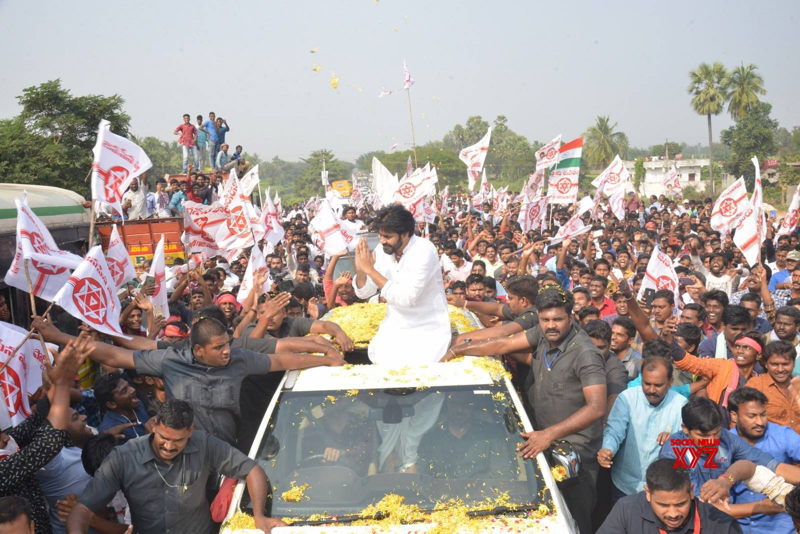 JanaSena Chief Pawan Kalyan Rally In Tenali Gallery Set 1