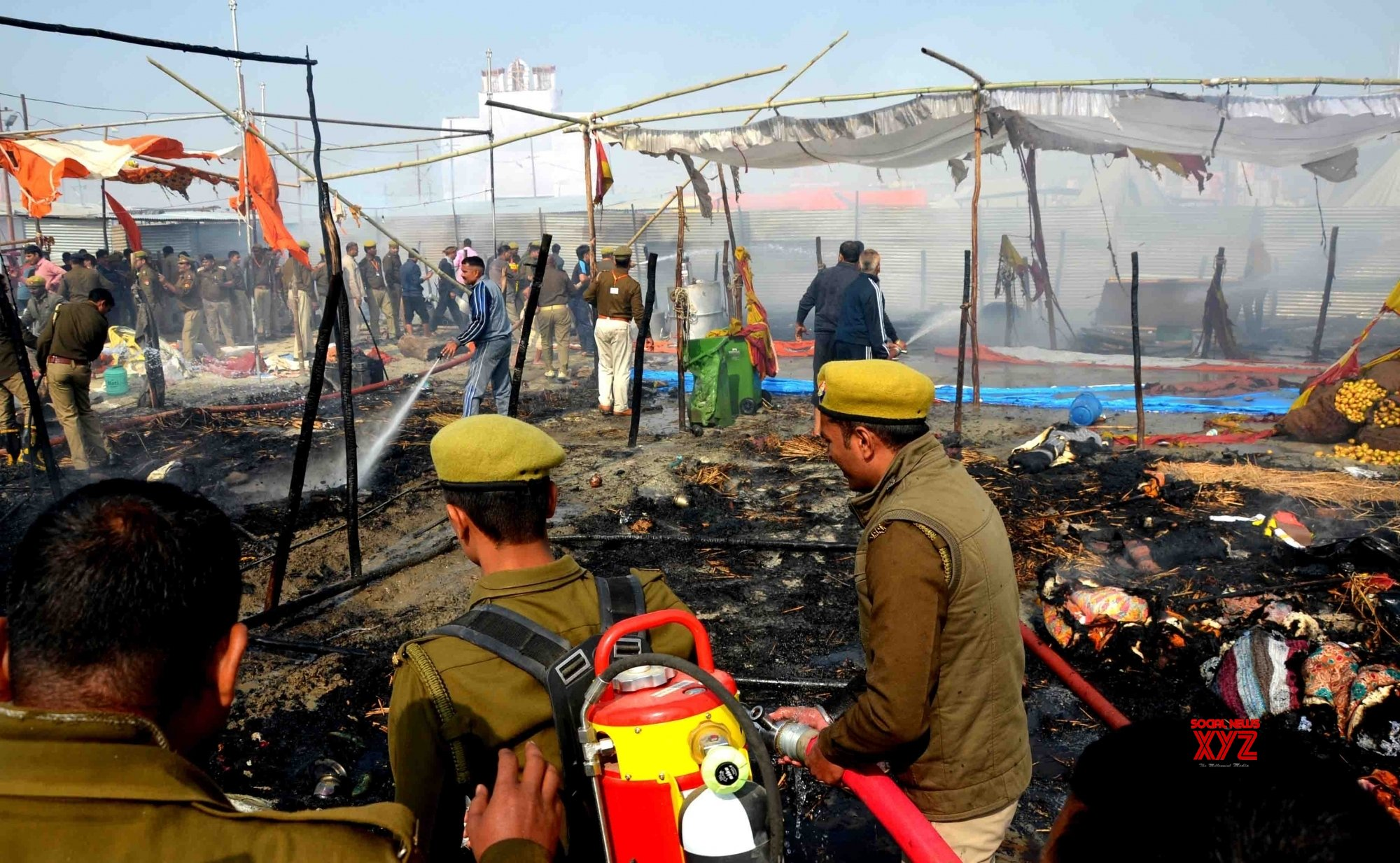 Prayagraj: Cylinder blast sparks fire at Kumbh Mela #Gallery