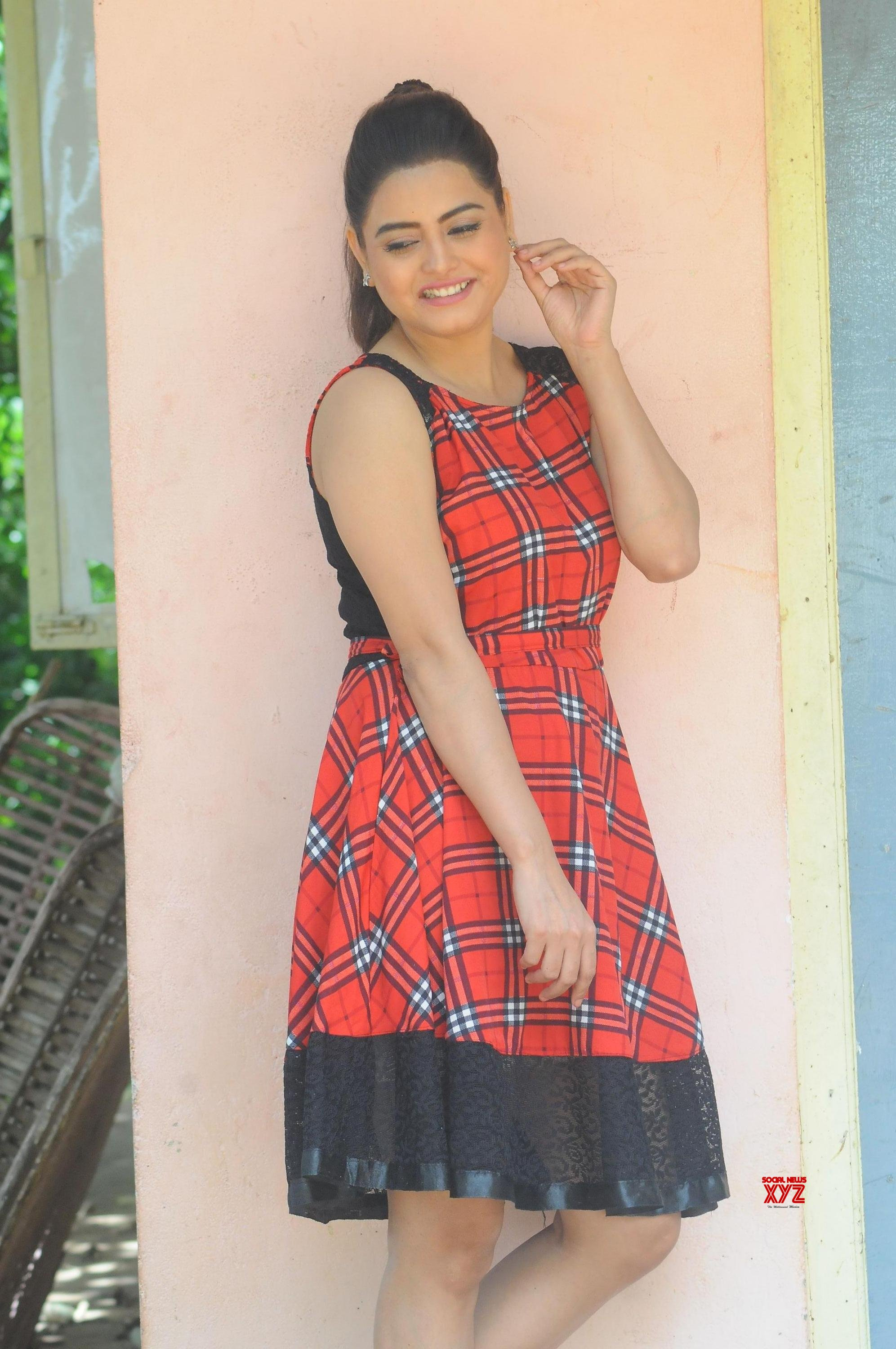 Actress Alekhya Latest Stills