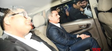New Delhi: Robert Vadra, brother-in-law of Congress President Rahul Gandhi, arrives to appear before Enforcement Directorate in New Delhi on Feb 7, 2019. (Photo: IANS)