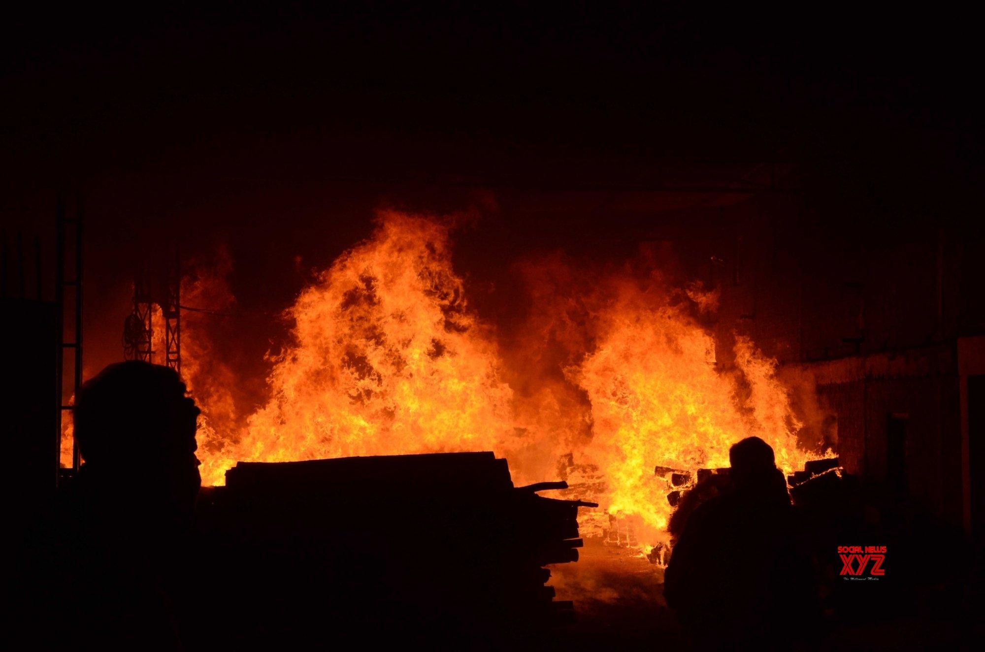 11 die in Rio hospital fire