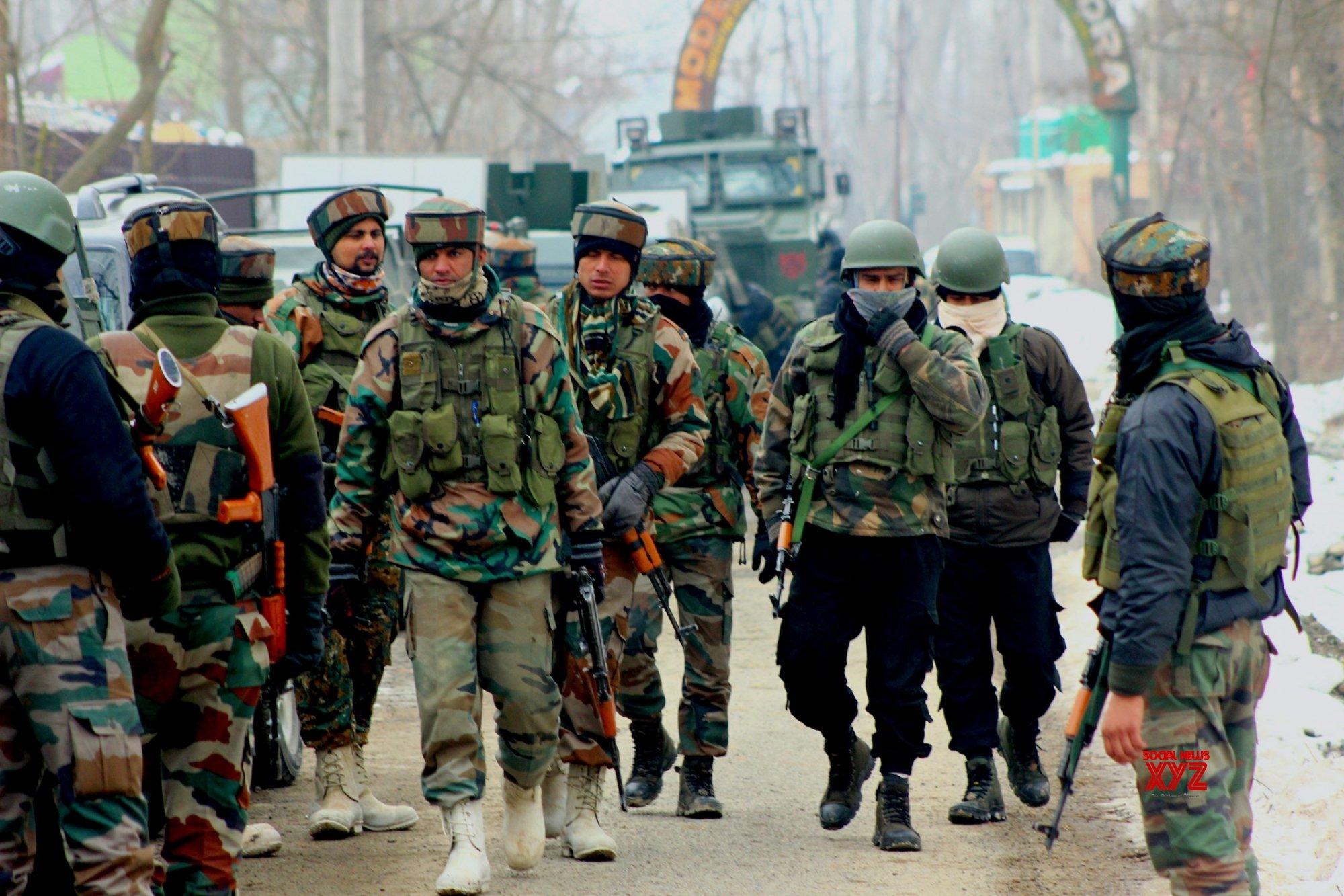 Soldier, militant killed in Kashmir gunfight