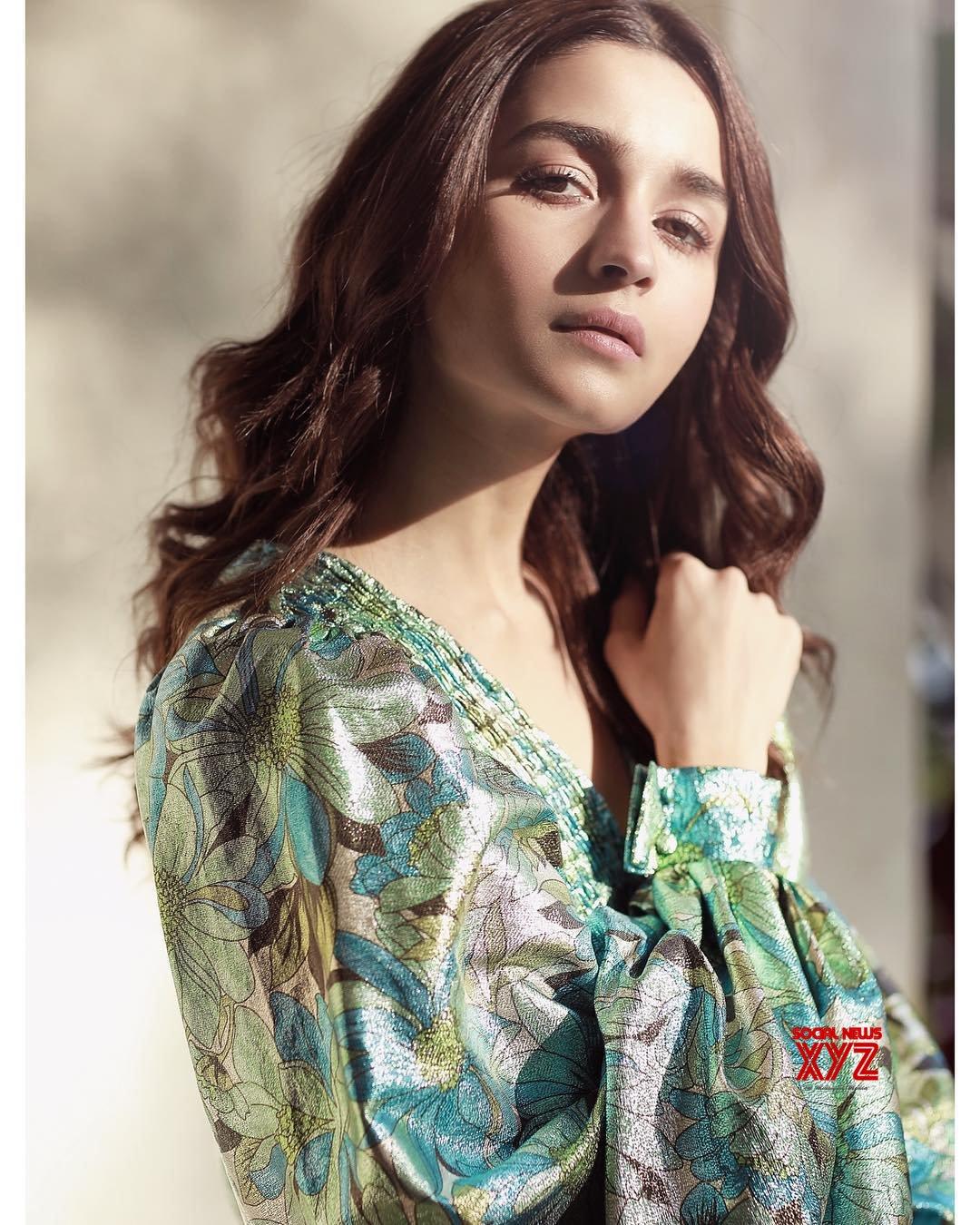 Actress Alia Bhatt Stills From New Delhi