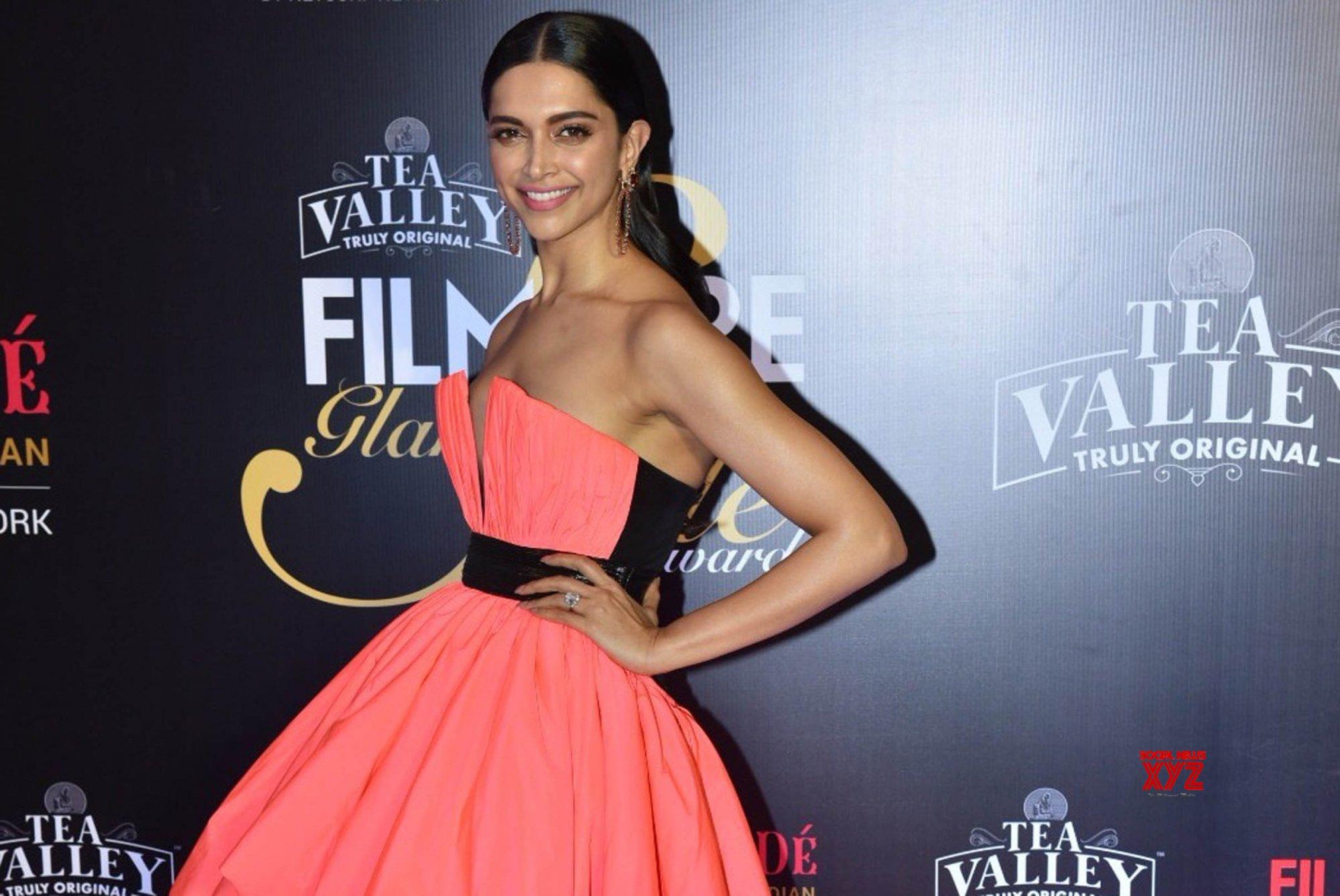 Mumbai: Filmfare Glamour And Style Awards 2019 - Deepika ...