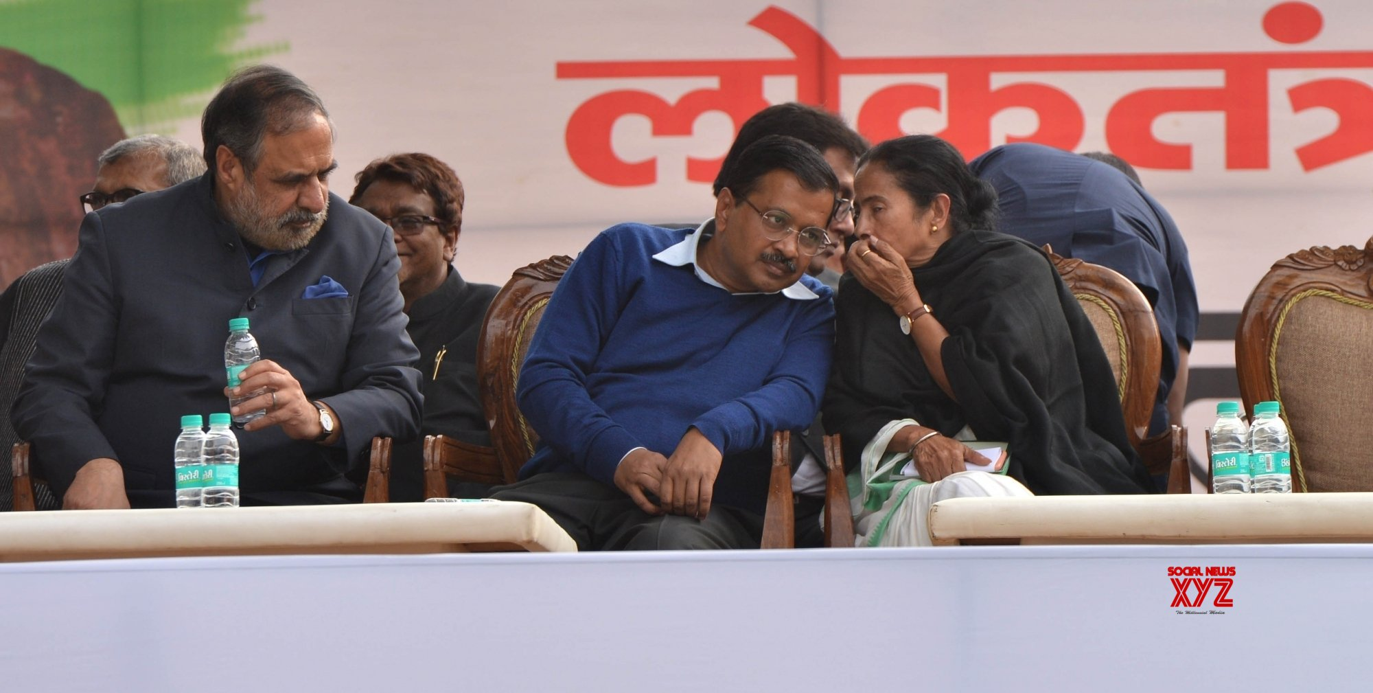 Vote for literate PM this time: Kejriwal