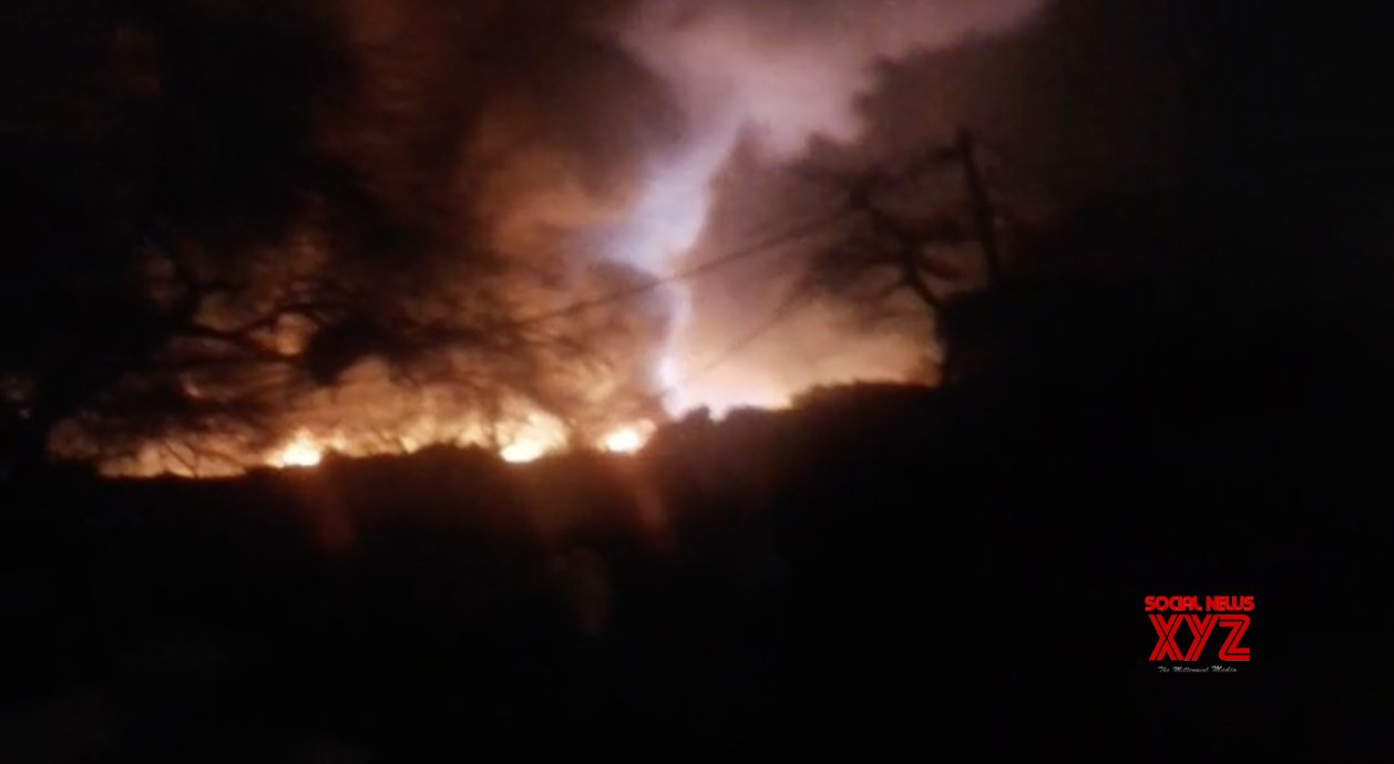Fire engulfs 250 shanties in Delhi, government offers assistance