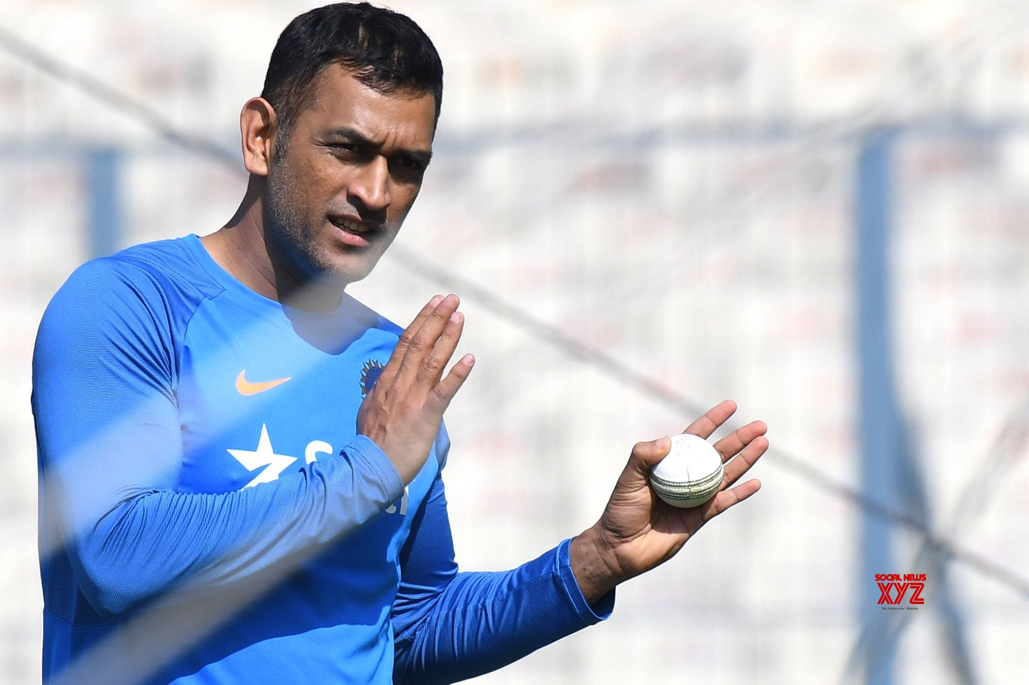 Central contract has no relation with Dhoni's India future: BCCI