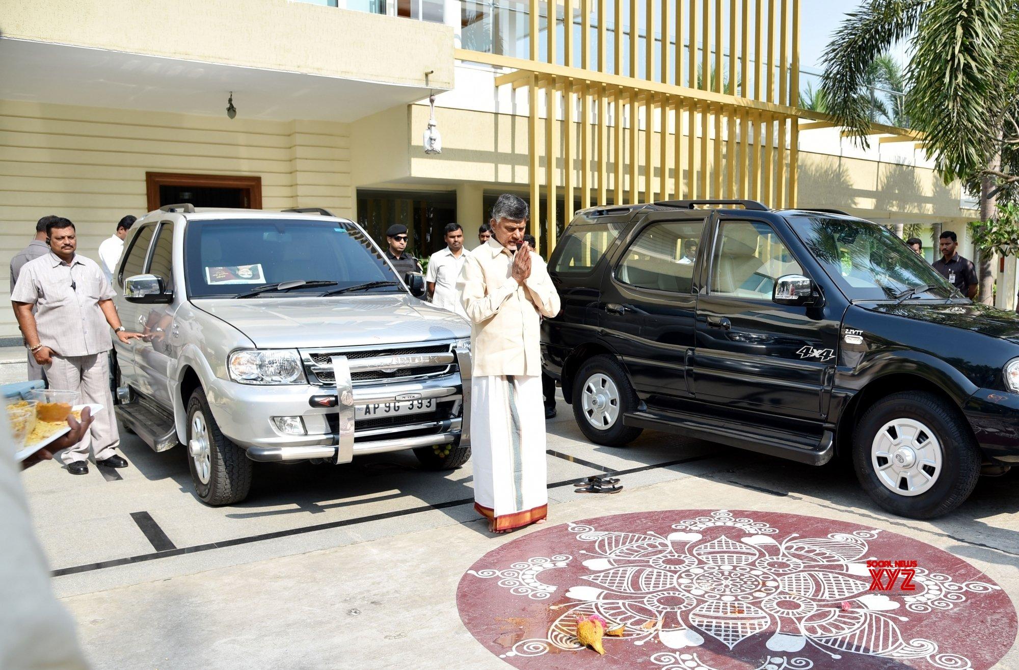 Tirupati (Andhra Pradesh): Chandrababu Naidu visits Tirupati Balaji Temple #Gallery