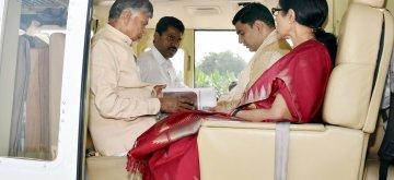 Amaravati: Andhra Pradesh Chief Minister N. Chandrababu Naidu and his wife Nara Bhuvaneshwari leave for Tirupati Balaji Temple from Amaravati, on March 16, 2019. (Photo: IANS)