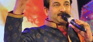 "Patna: Singer Manoj Tiwari performs during ""Rang Barse"" - a programme in Patna on programme on March 16, 2019. (Photo: IANS)"