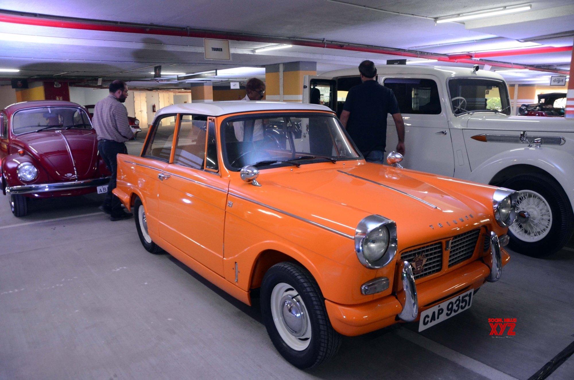 Mumbai: Vintage car rally #Gallery