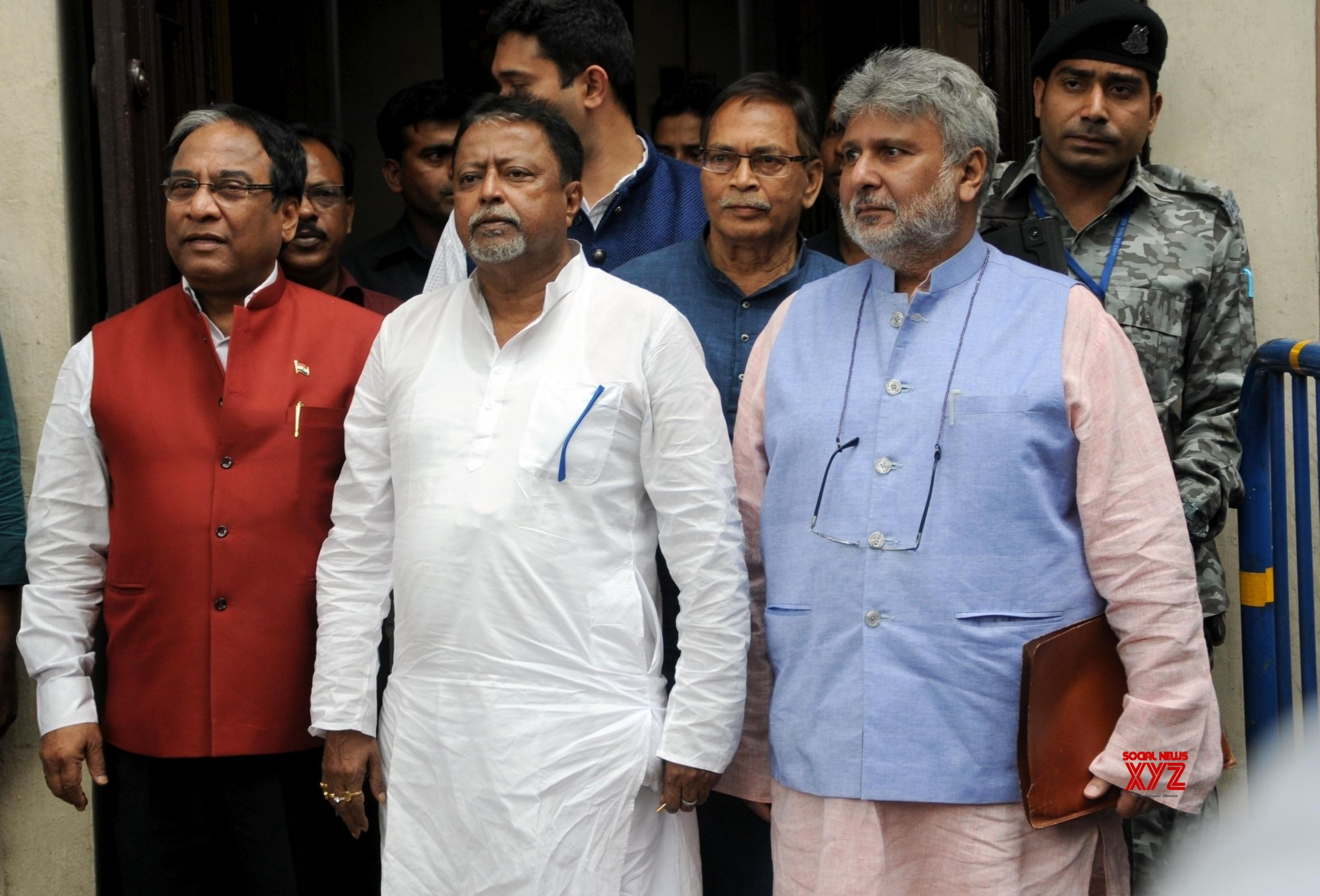 Kolkata: BJP's Mukul Roy, Jay Prakash Majumdar meet Deputy Election Commissioner #Gallery