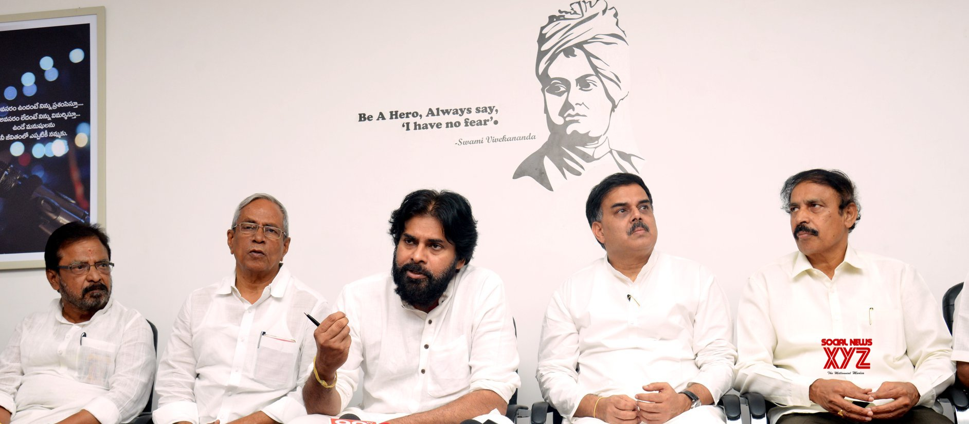 JanaSena Chief Pawan Kalyan Press Meet With CPI And CPM Leaders - Gallery