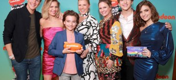 (L-R) Scott Weinger, Candace Cameron Bure, Elias Harger, Jodie Sweetin, Andrea Barber, Michael Campion, and Soni Nicole Bringas attend Nickelodeon's 2019 Kids' Choice Awards at Galen Center on March 23, 2019 in Los Angeles, California.