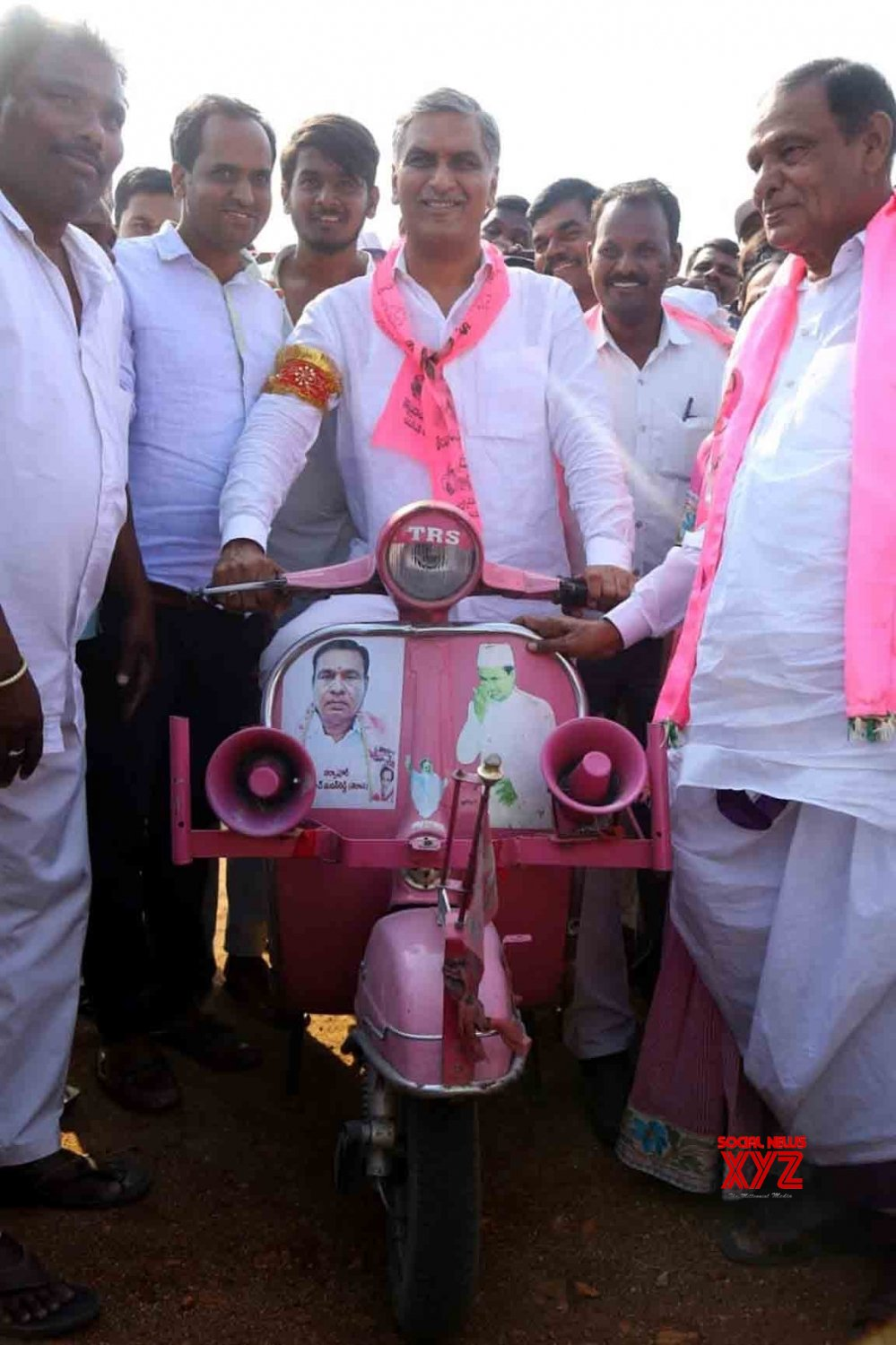 Siddipet: Harish Rao during an election campaign #Gallery