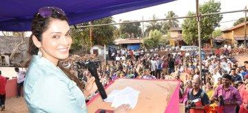 Goa: Actress Isha Koppikar addresses during a programme organised to campaign for BJP's Shripad Naik candidate from North Goa Lok Sabha seat at Santa Cruz near Panaji in North Goa on April 14, 2019. (Photo: IANS)