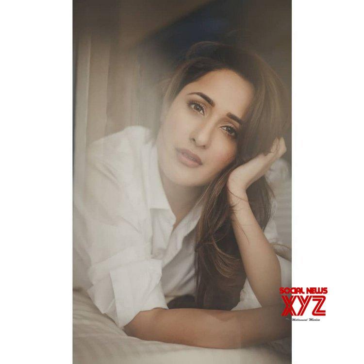 Actress Pragya Jaiswal Bold Stills