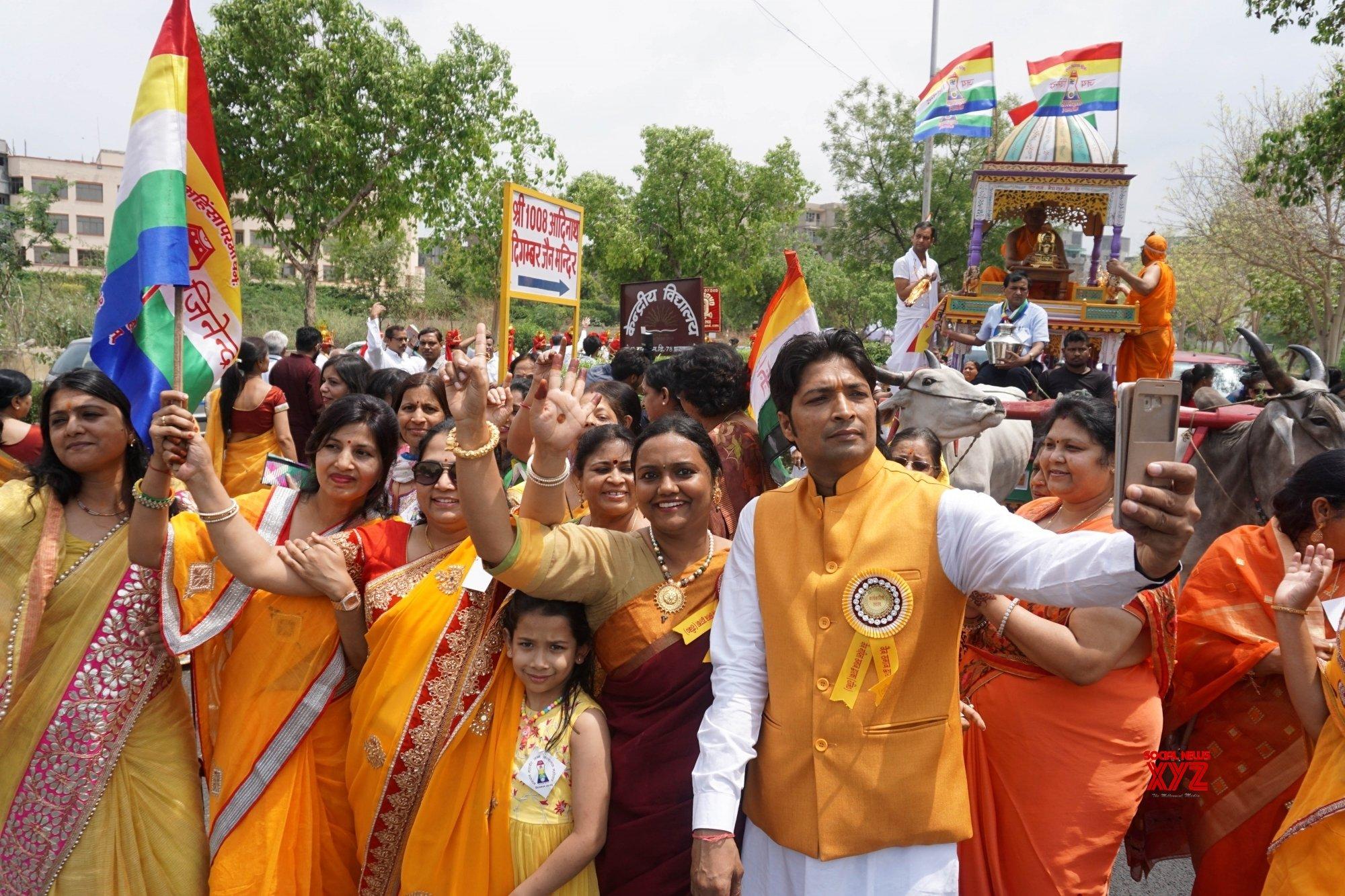 New Delhi: Mahavir Jayanti - Devotees during 'Shobha Yatra' #Gallery