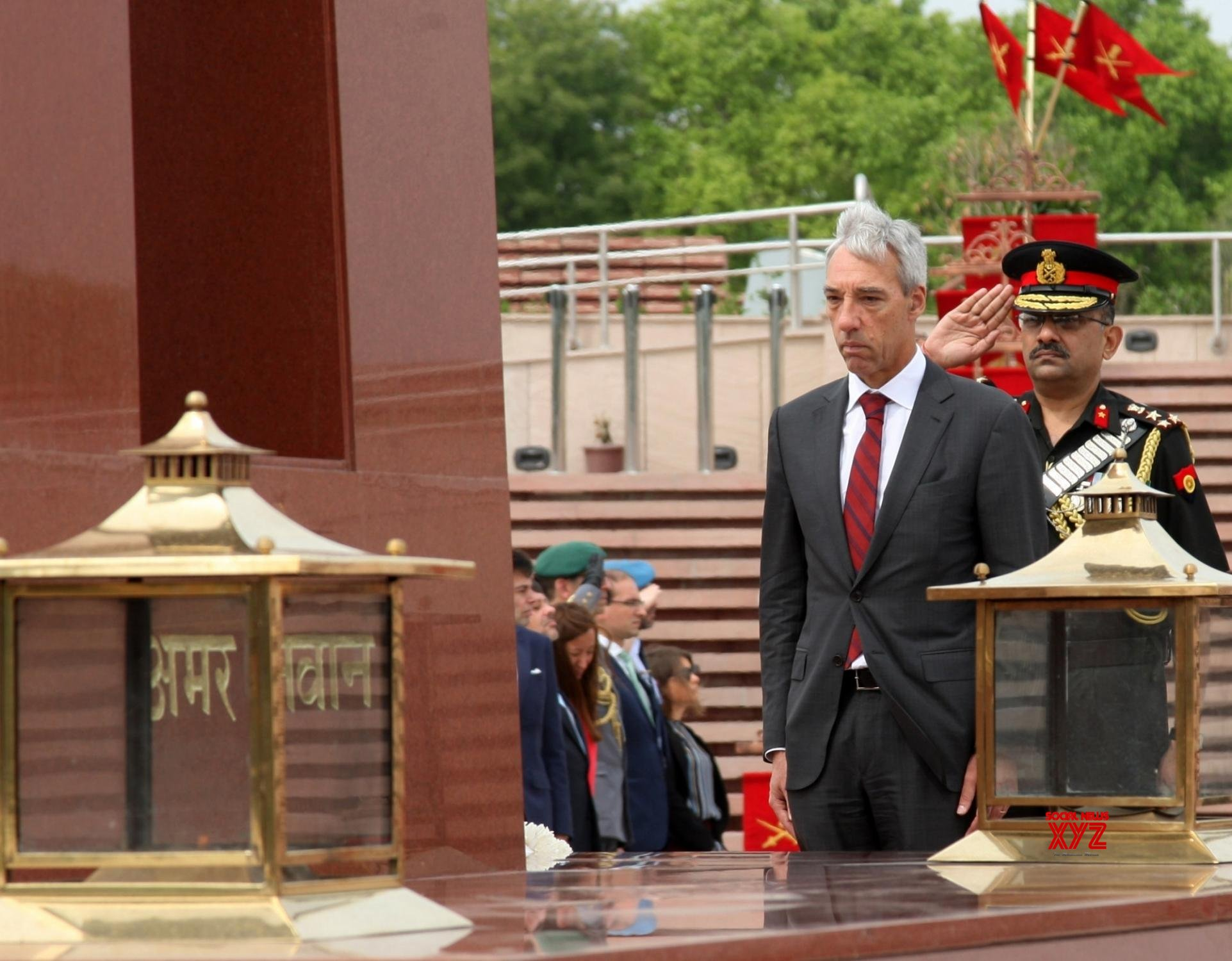 New Delhi: Portuguese Defence Minister pays homage at National War Memorial #Gallery