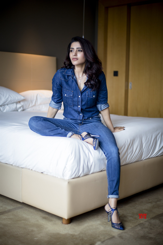 Actress Samantha Latest Gorgeous Stills - Social News XYZ