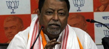 Kolkata: BJP leader Mukul Roy addresses a press conference in Kolkata, on May 10, 2019. (Photo: IANS)