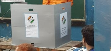 New Delhi: BJP MP from West Delhi Lok Sabha constituency, Parvesh Verma casts his vote during the sixth phase of 2019 Lok Sabha elections, in New Delhi on May 12, 2019. (Photo: IANS)