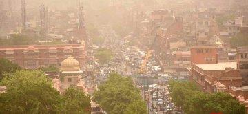 Jaipur: Jaipur witnesses dust storm, on May 15, 2019. (Photo: Ravi Shankar Vyas/IANS)
