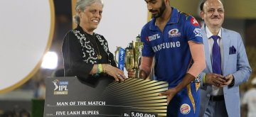 Hyderabad: Mumbai Indians' Jasprit Bumrah pose with the IPL 2019 Man of the Match award during the presentation ceremony at Rajiv Gandhi International Stadium in Hyderabad, on May 12, 2019. (Photo: Surjeet Yadav/IANS)