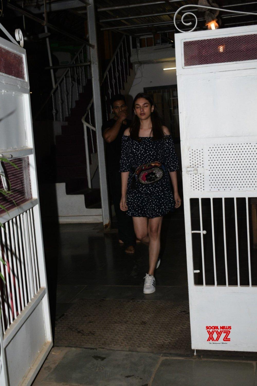 Mumbai: Aditi Rao Hydari seen at Versova #Gallery