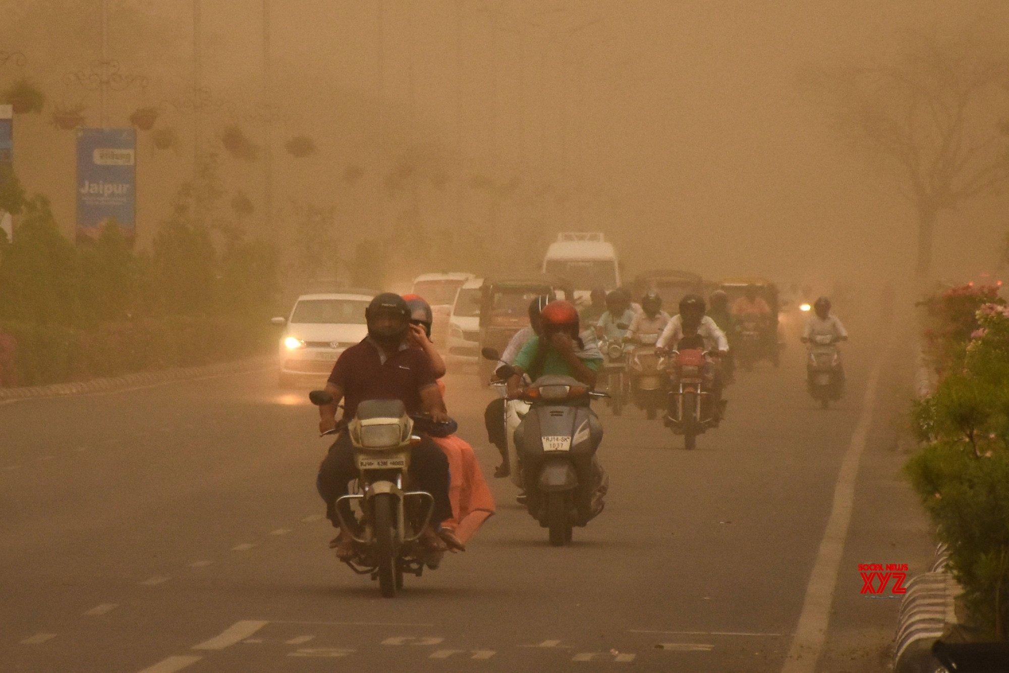 Jaipur: Dust storm #Gallery