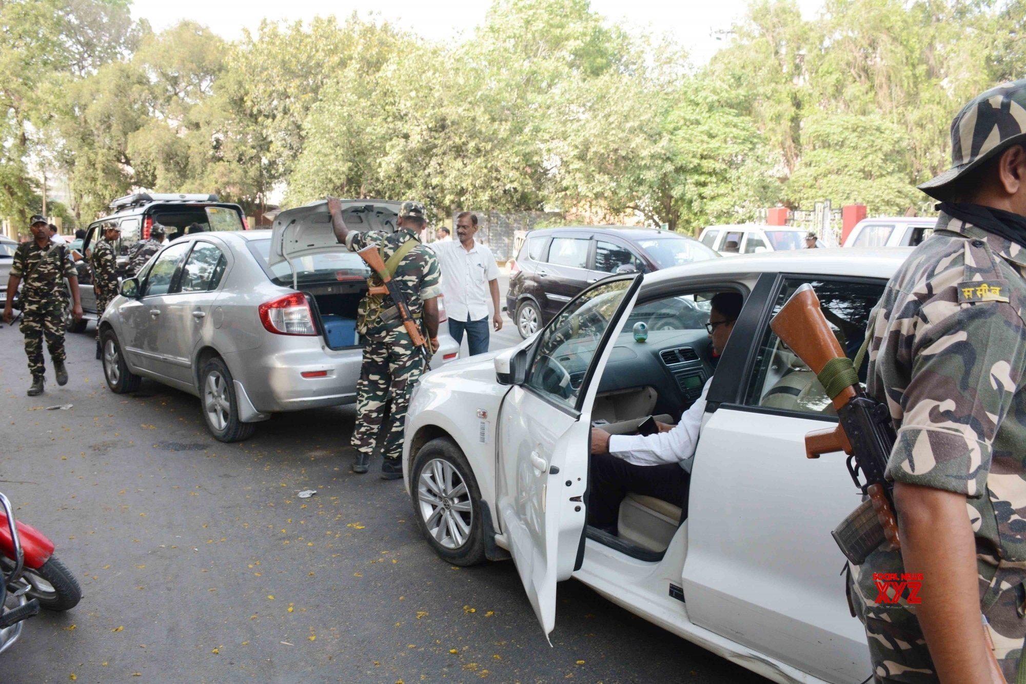 Patna: Security beefed up ahead of 2019 LS Polls - Phase VII #Gallery